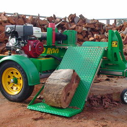 HLS Splits 30Tonne Of Australian Red Gum